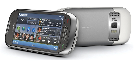 Nokia C7 front and back