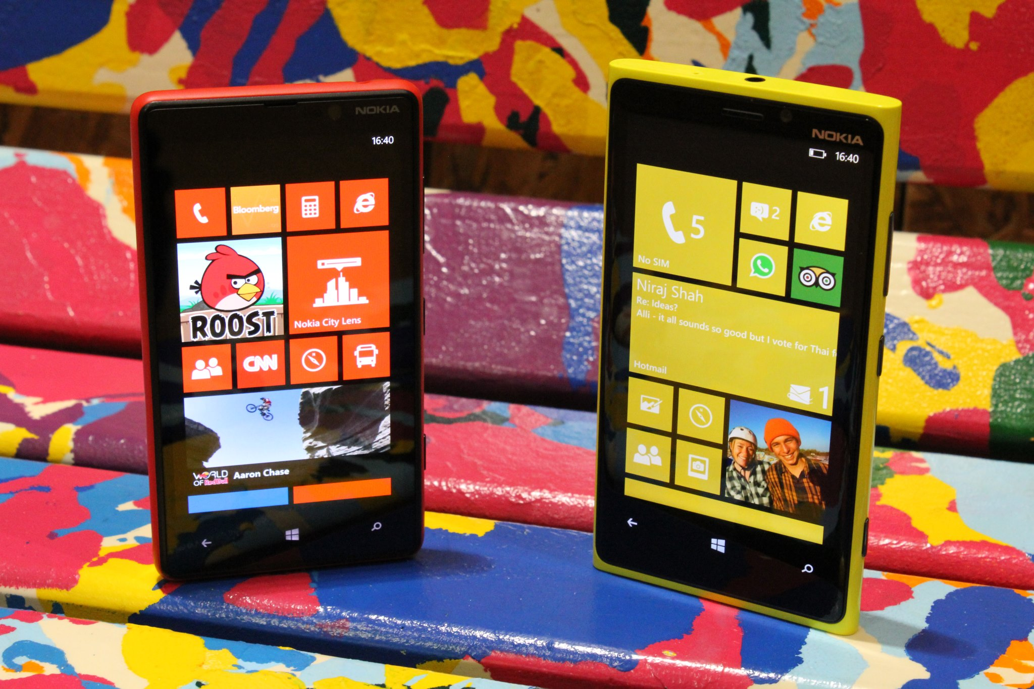 Nokia Lumia 920 and 820 with their beautiful displays